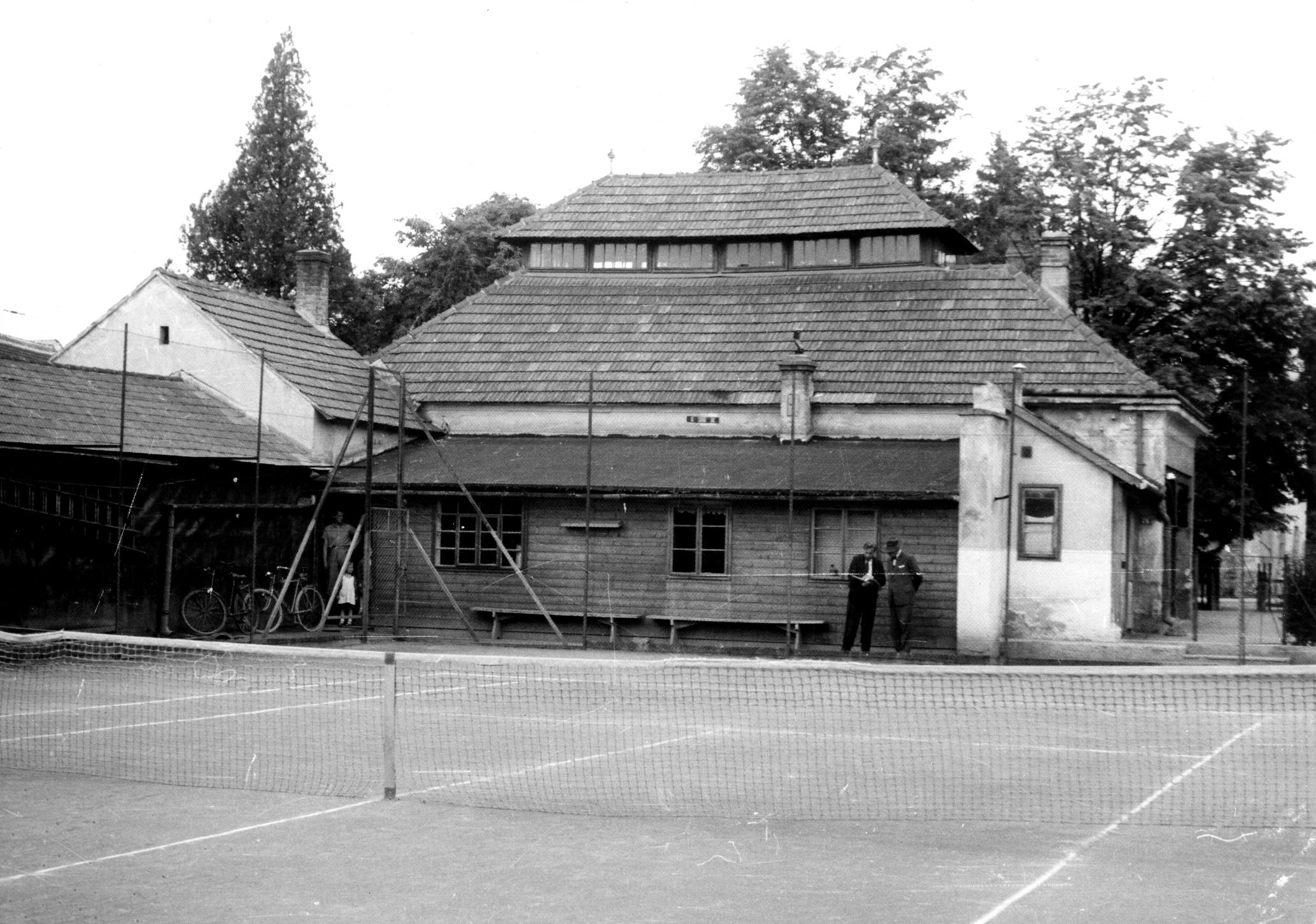 Neunkirchens 1. Tennisplatz
